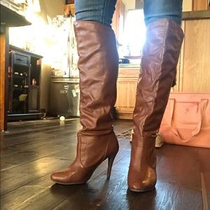 Shoedazzle knee high heeled boots - 9.5
